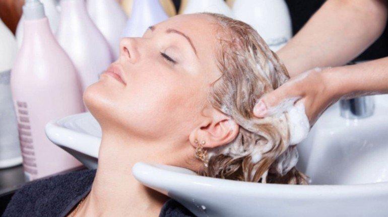 Как правильно мыть волосы на голове