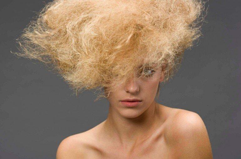 Способ укрепить волосы - мытье головы с яйцом