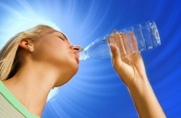 Как правильно пить воду, правила и ошибки