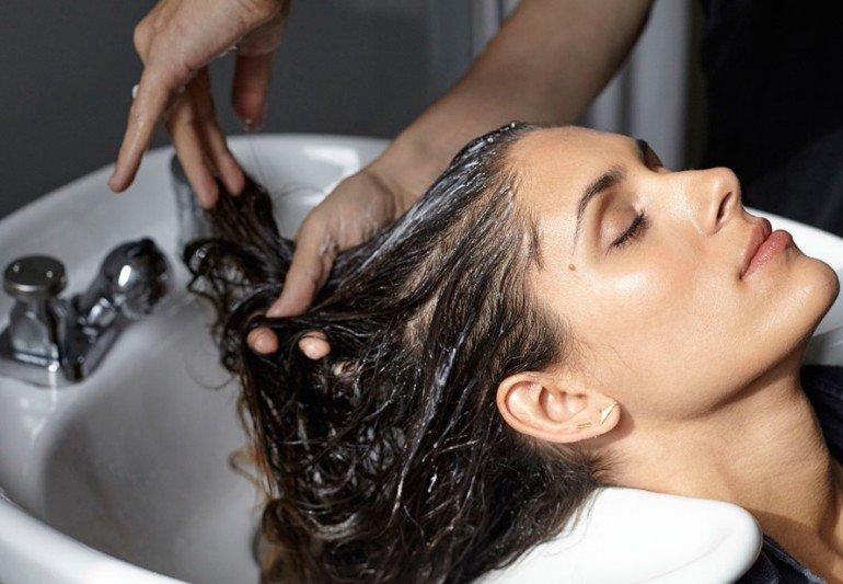 К чему может привести частое мытье головы
