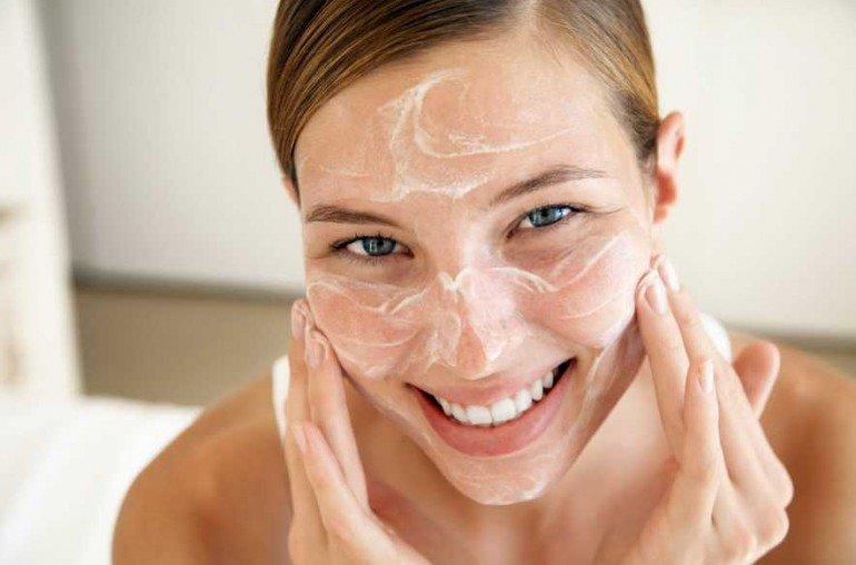 Как правильно смывать домашние маски, чтобы не навредить коже