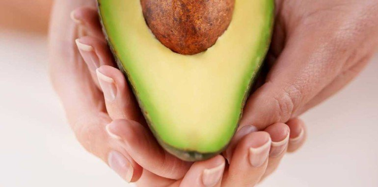Чем полезна мякоть авокадо для кожи тела
