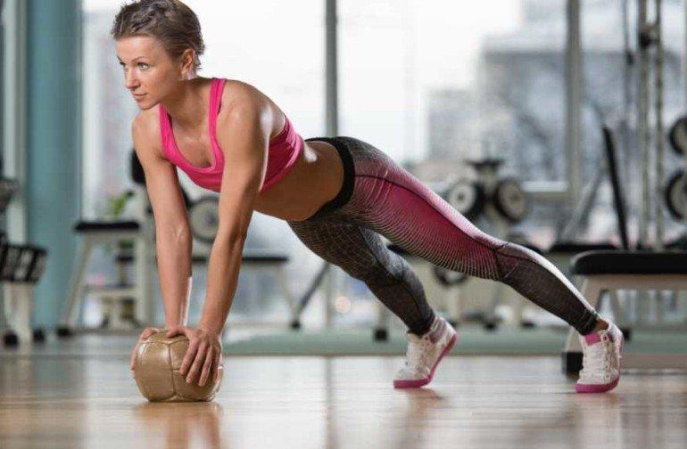 Как заниматься спортом, но сохранить женственную фигуру