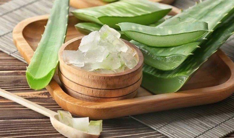 Как омолодить увядающую кожу с помощью алоэ и сливочного масла