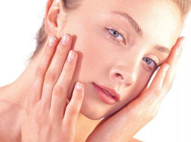 Как ухаживать за чувствительной кожей с помощью домашних средств для лица