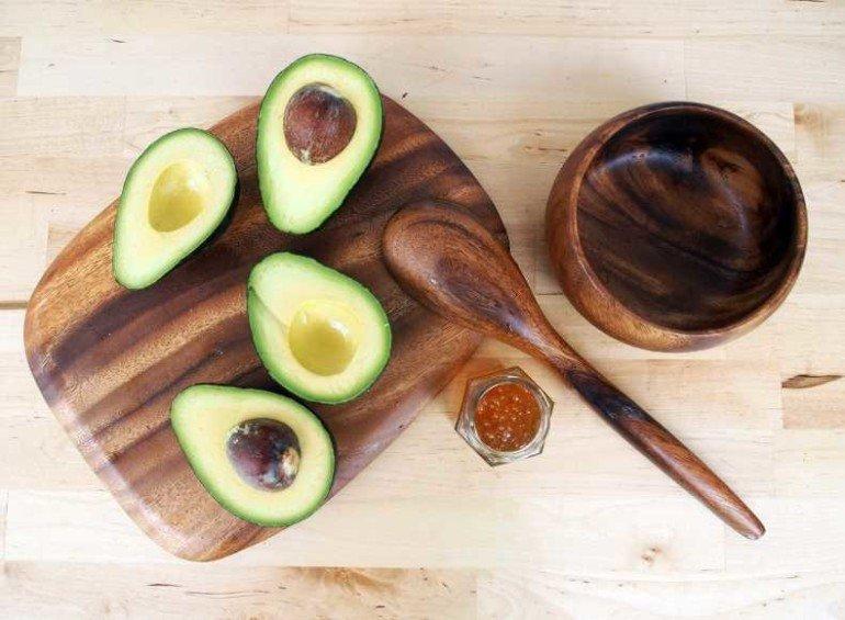 Маска из мякоти авокадо для сухой кожи своими руками
