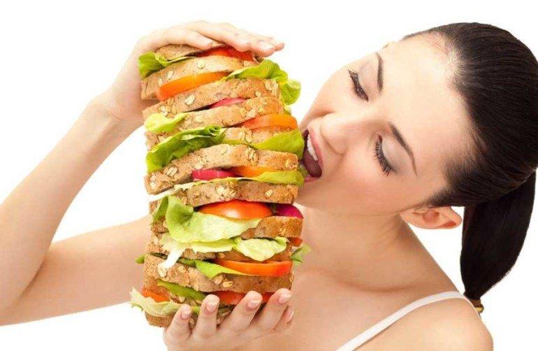 5 причин переедания, не связанных с голодом: как научиться отказываться от лишнего