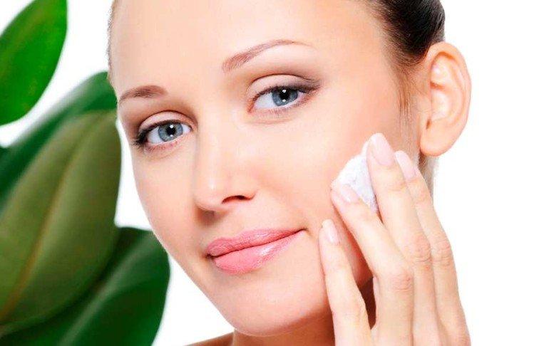 Как оздоровить проблемную кожу лица в домашних условиях