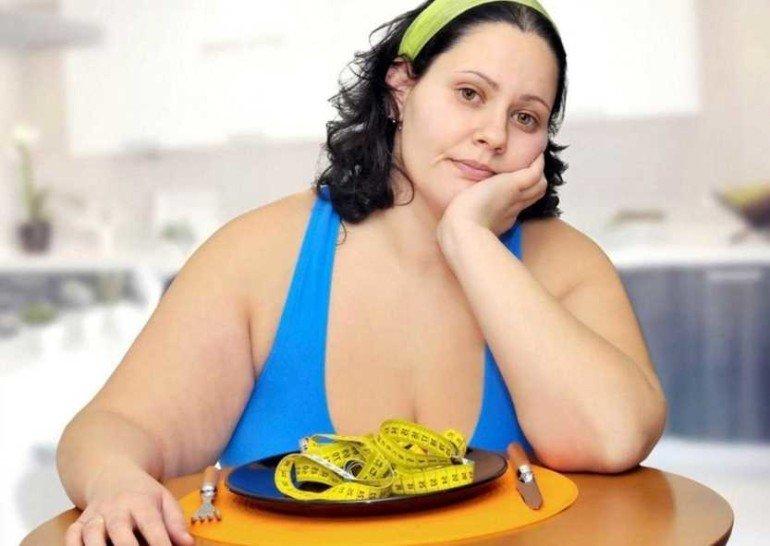 5 опасных привычек, из-за которых быстро набирают вес