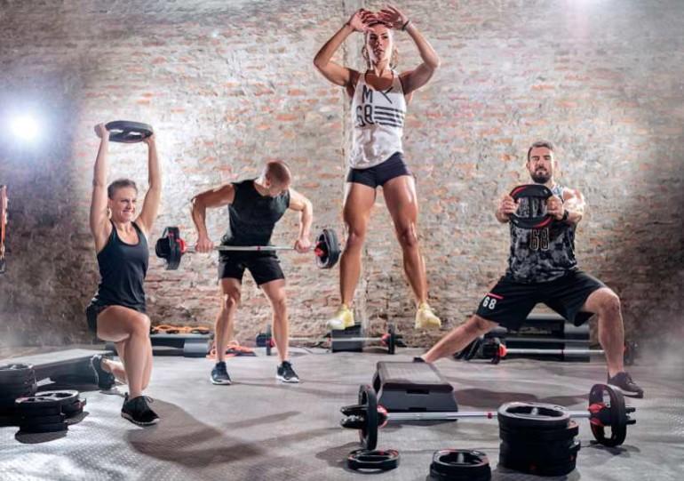 картинки выполнения техники упражнений в кроссфите она выполнена соломы