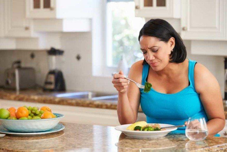 Какие продукты провоцируют лишний вес у женщин за 40