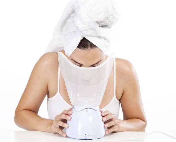 Эвкалиптовая паровая баня против пор и воспалений на лице