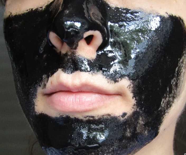 Самодельная маска-пленка для очистки пор кожи лица