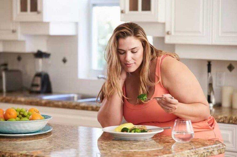 Съедено, но не потрачено: какие ошибки в питании прибавляют лишние килограммы