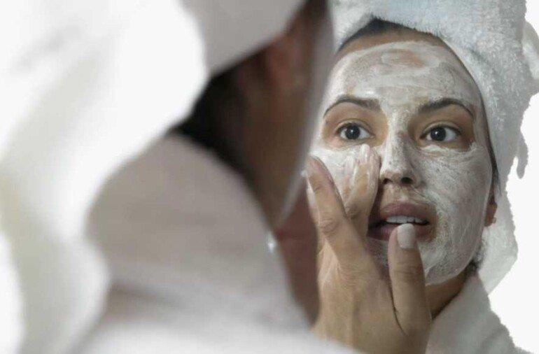Как сделать маску-лифтинг на рисовой муке и забыть о мелких морщинках