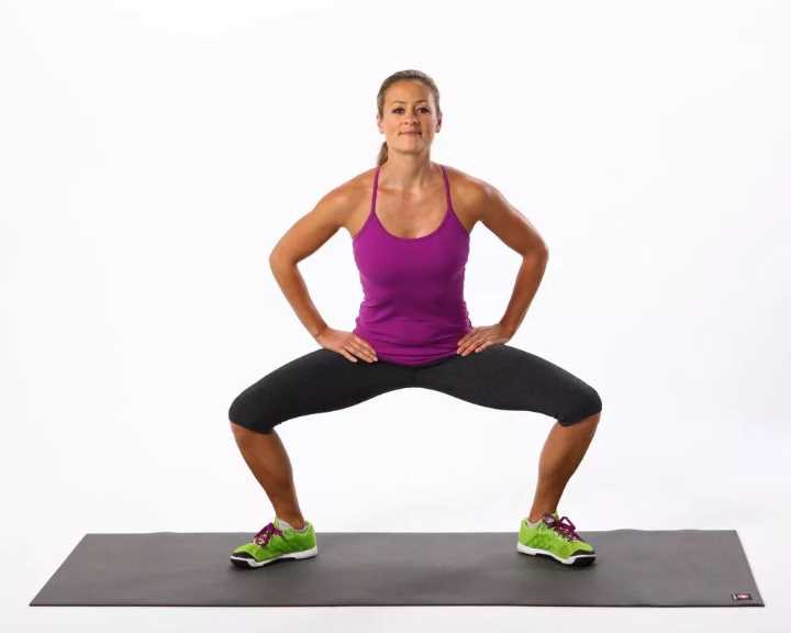 Как сделать ноги стройными и точеными с помощью приседаний плие