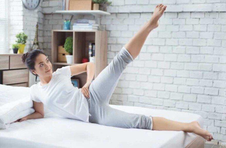Похудение для ленивых: какие упражнения можно делать, не вставая с кровати