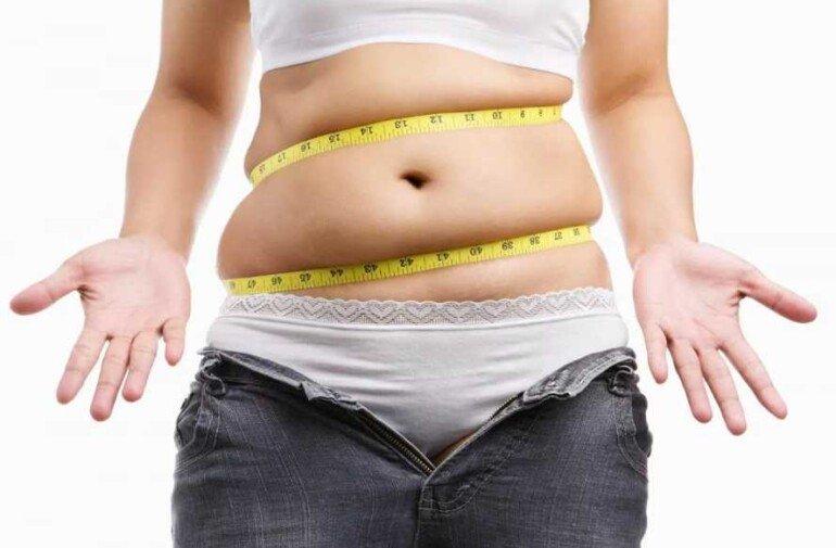 Сантиметры уходят, а вес стоит на месте: 5 причин, почему это нормально