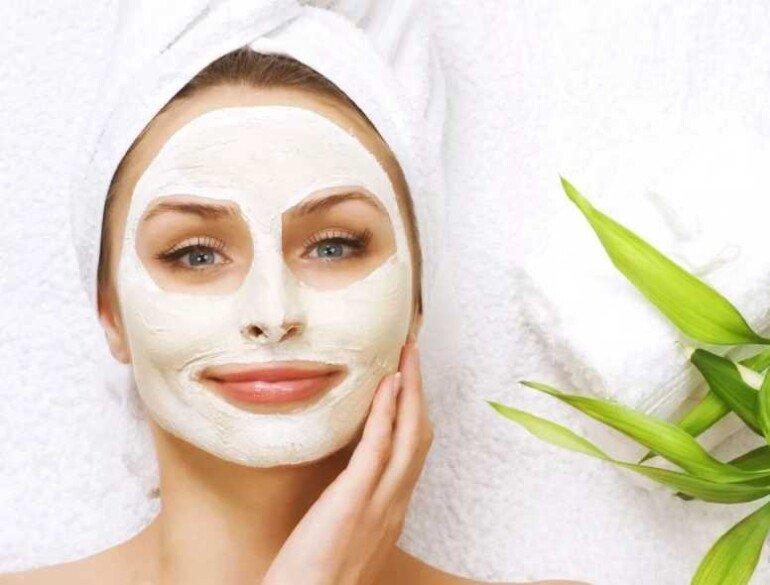 Универсальная сметанно-рисовая маска для ухода за кожей лица