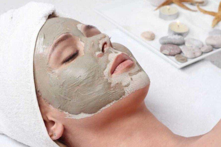 Имбирно-глиняная маска для выравнивания цвета кожи лица и устранения воспалений