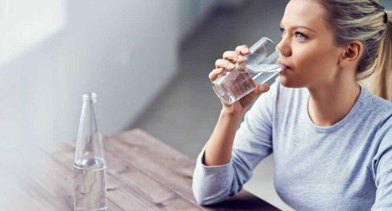 Питьевой режим и похудения: почему вода так нужна?