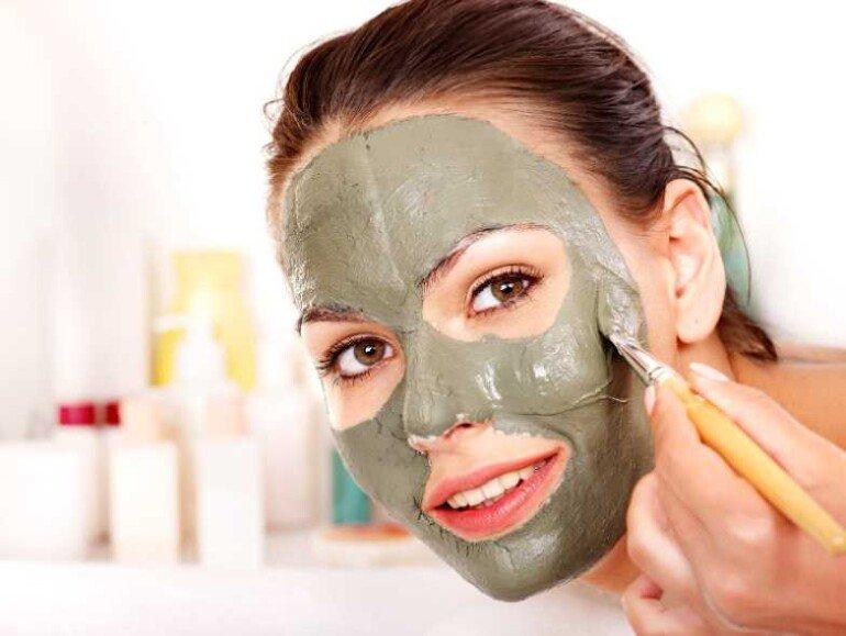 Правильно ухаживаем за сухой кожей: 5 лучших рецептов домашних масок