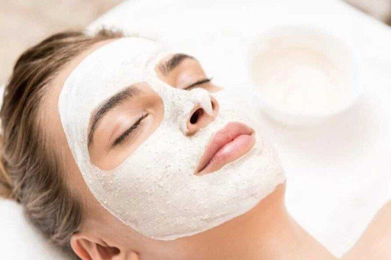 Эффективные маски на основе кокосового масла для разглаживания морщин на шее и лице