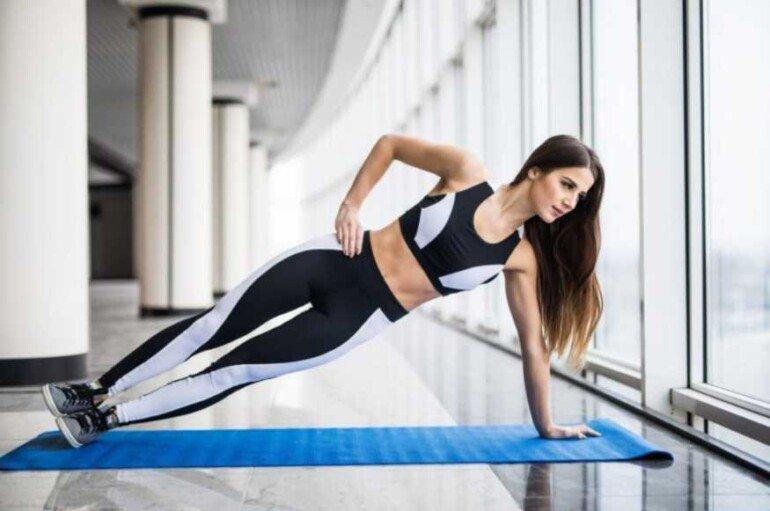 Упражнение на глубокие мышцы спины