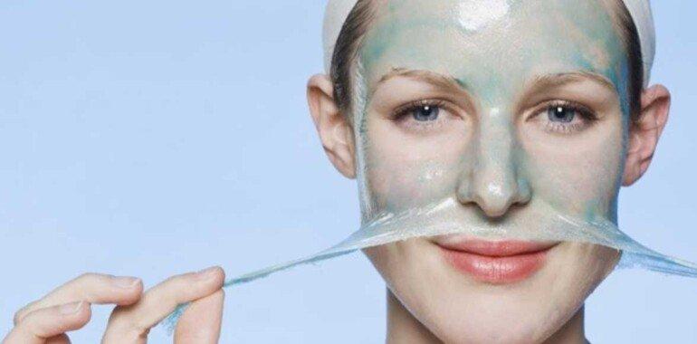 Омолаживаем лицо с помощью желатиновой маски