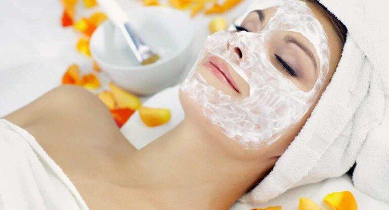 Отличная увлажняющая маска для лица из творога и натурального масла