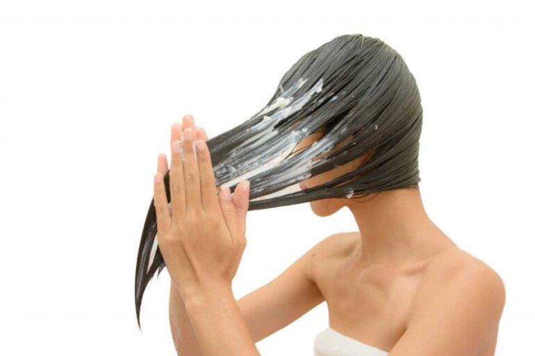 Ночная увлажняющая маска для волос на основе арганового масла