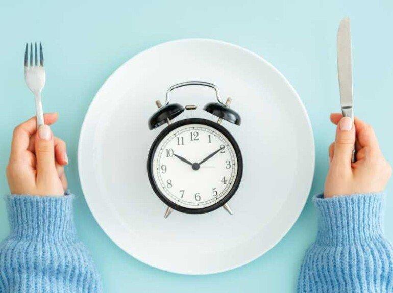 Интервальное голодание: плюсы и минусы подобного способа похудения