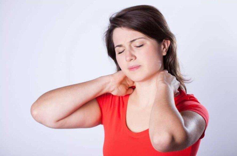 Лучшие домашние средства для тонизирования кожи на шеи